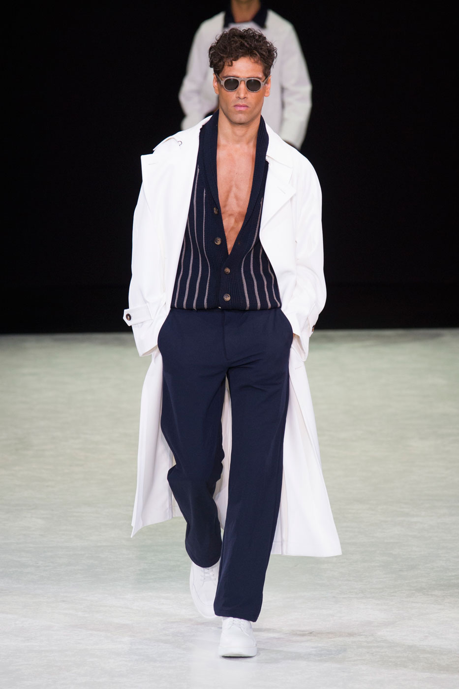 http://theimpression.com/wp-content/uploads/2014/06/giorgio-armani-mens-fashion-runway-show-the-impression-spring-2015-056.jpg