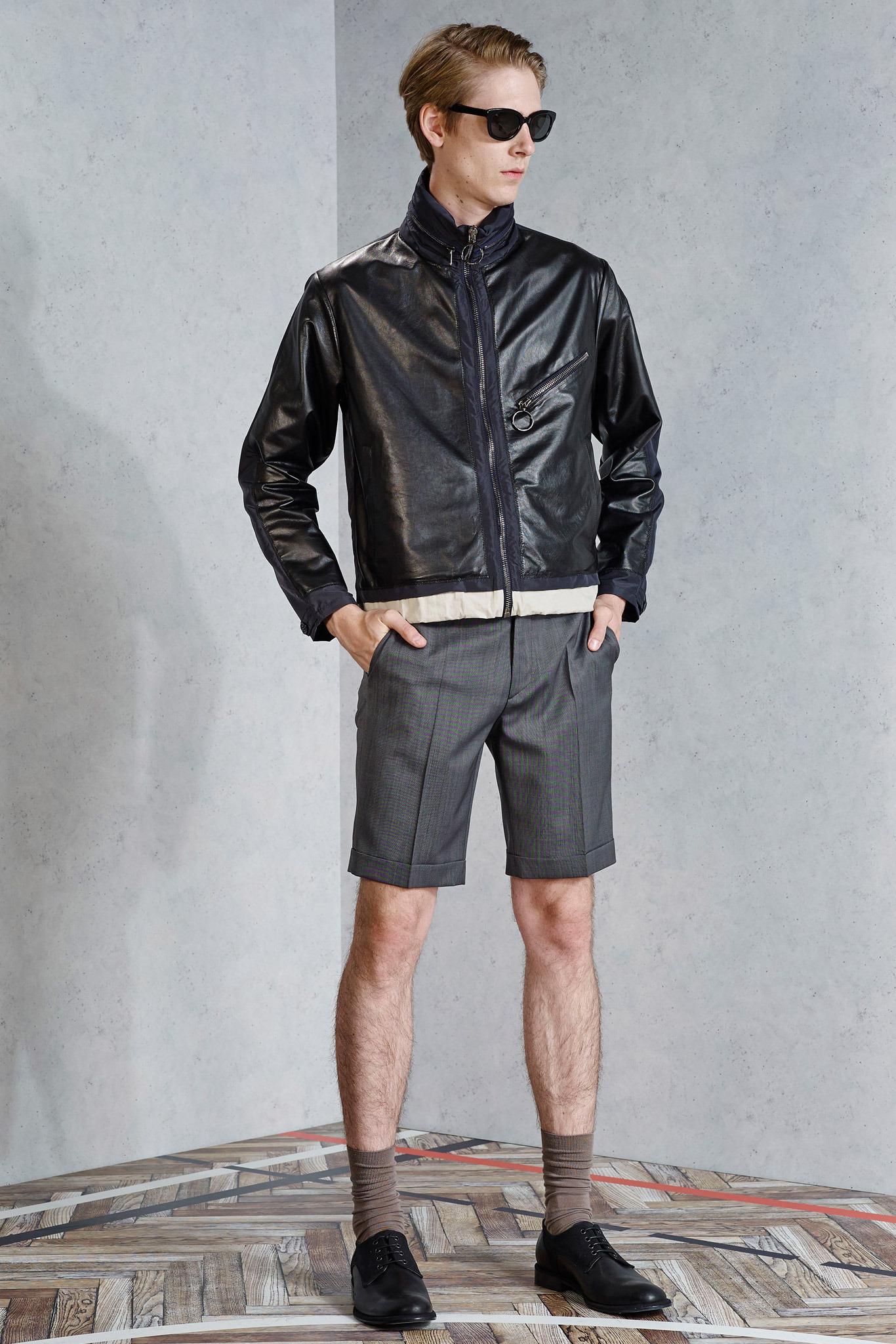 viktor rolf men 39 s spring 2015 fashion lookbook. Black Bedroom Furniture Sets. Home Design Ideas