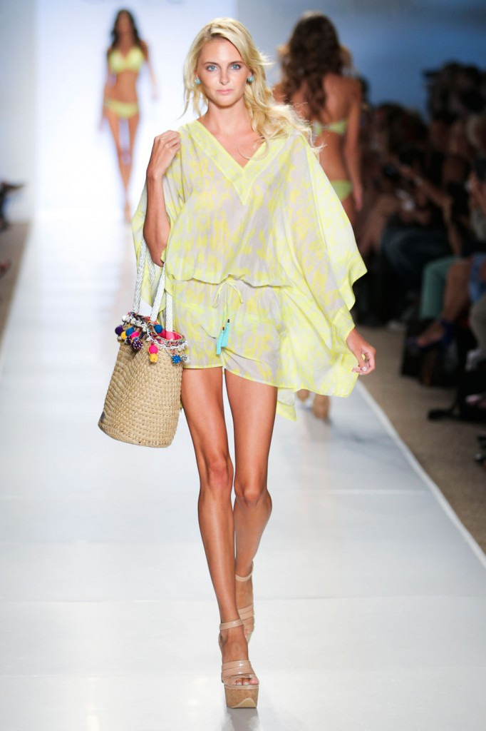 Caffe-swimwear-fashion-runway-show-the-impression-spring-2015-008