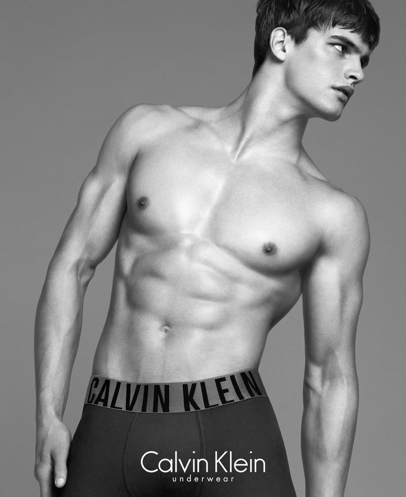 alvin-klein-bra-ad-campaign-2014