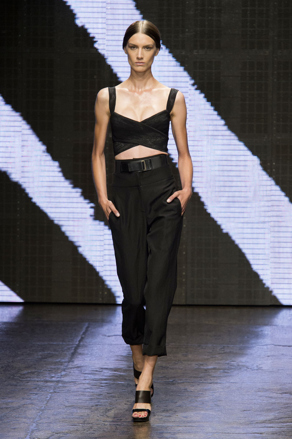 donna karan spring 2015 fashion show. Black Bedroom Furniture Sets. Home Design Ideas