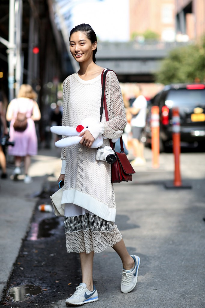 new-street-style-nyfw-sept-2014-day-2-the-impression-005