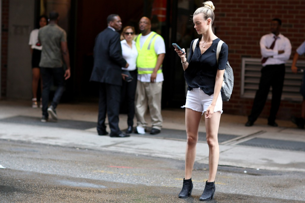 new-york-street-style-nyfw-day-3-sept-2014-the-impression020