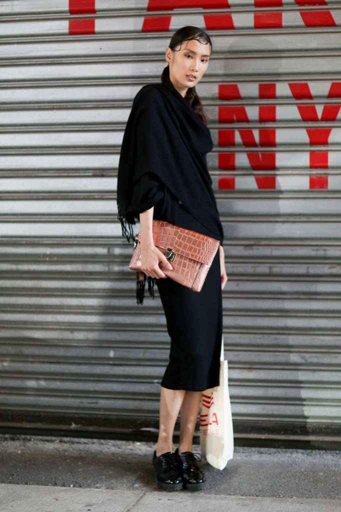 new-york-street-style-nyfw-day-4-sept-2014-the-impression-018