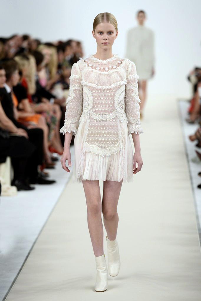 valentino-haute-couture-2015-the-impression-05