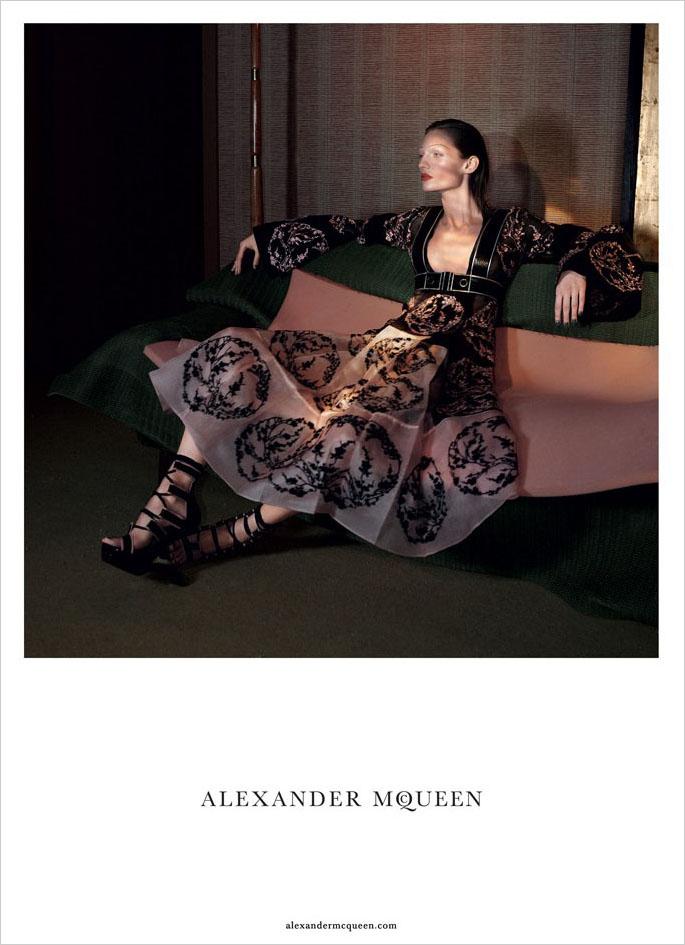 alexander-mcqueen-spring-2015-ad-campaign-the-impression-08