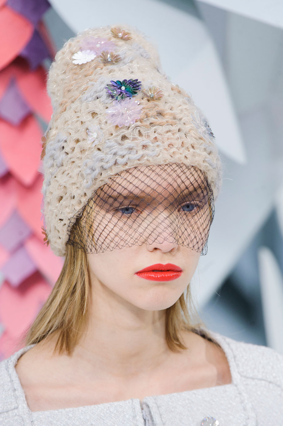 Chanel-fashion-runway-show-close-ups-haute-couture-paris-spring-summer-2015-the-impression-014