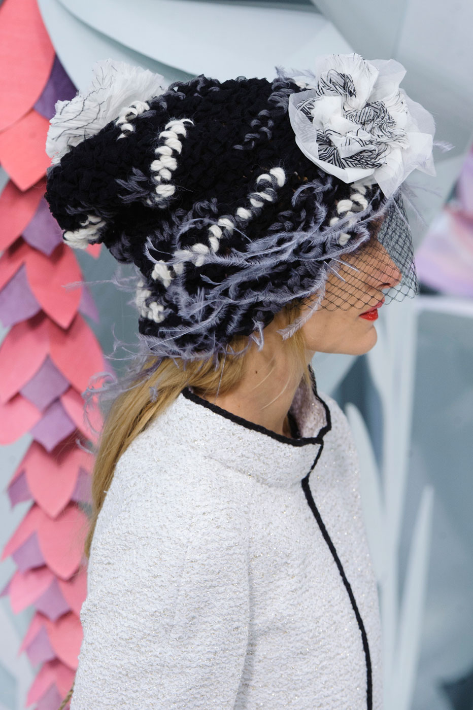 Chanel-fashion-runway-show-close-ups-haute-couture-paris-spring-summer-2015-the-impression-022