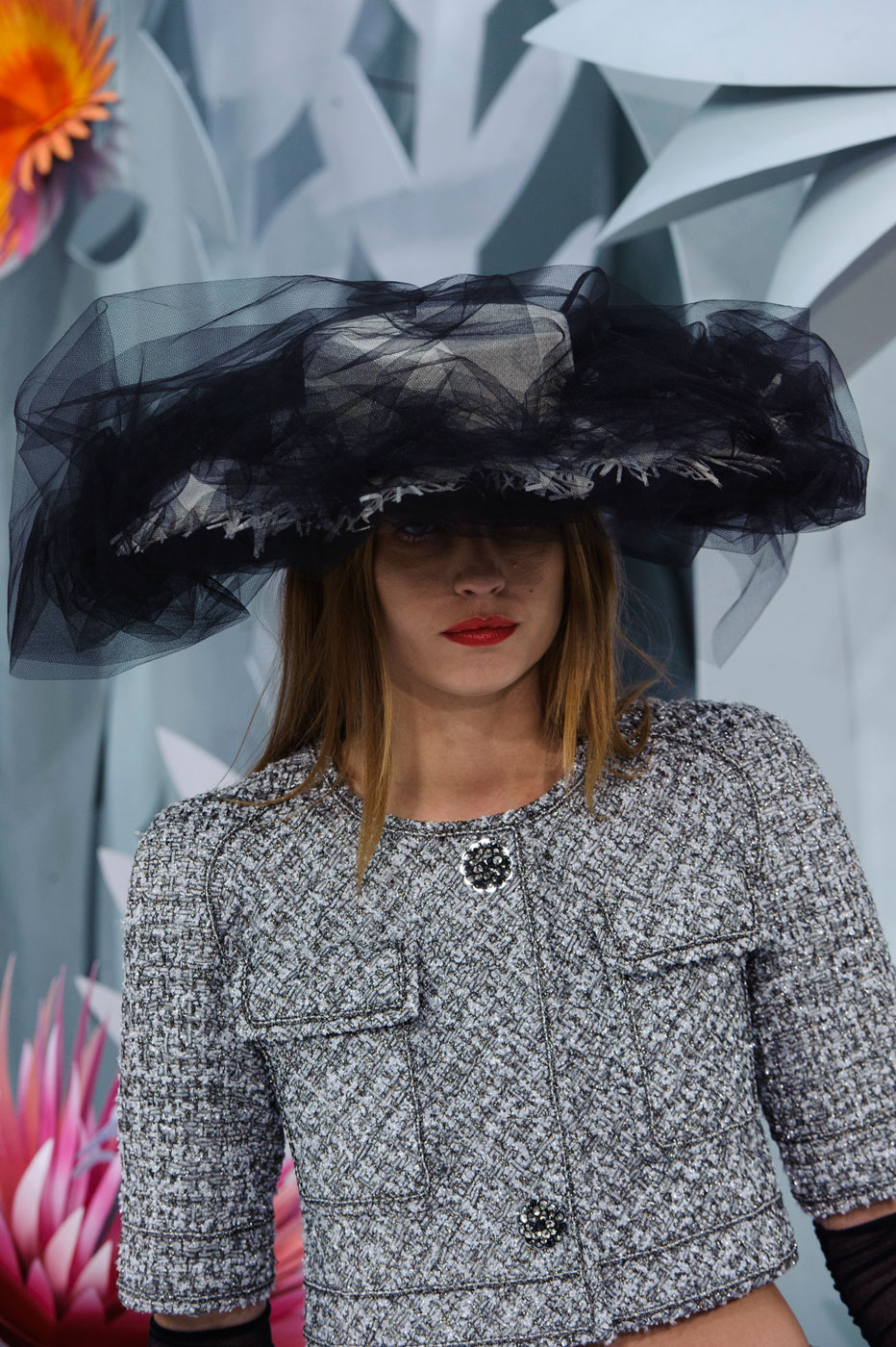 Chanel-fashion-runway-show-close-ups-haute-couture-paris-spring-summer-2015-the-impression-031