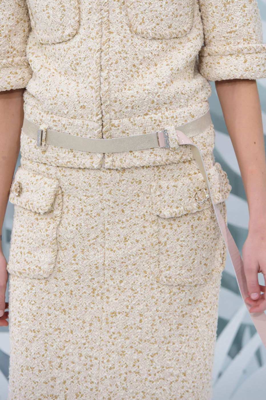 Chanel-fashion-runway-show-close-ups-haute-couture-paris-spring-summer-2015-the-impression-034