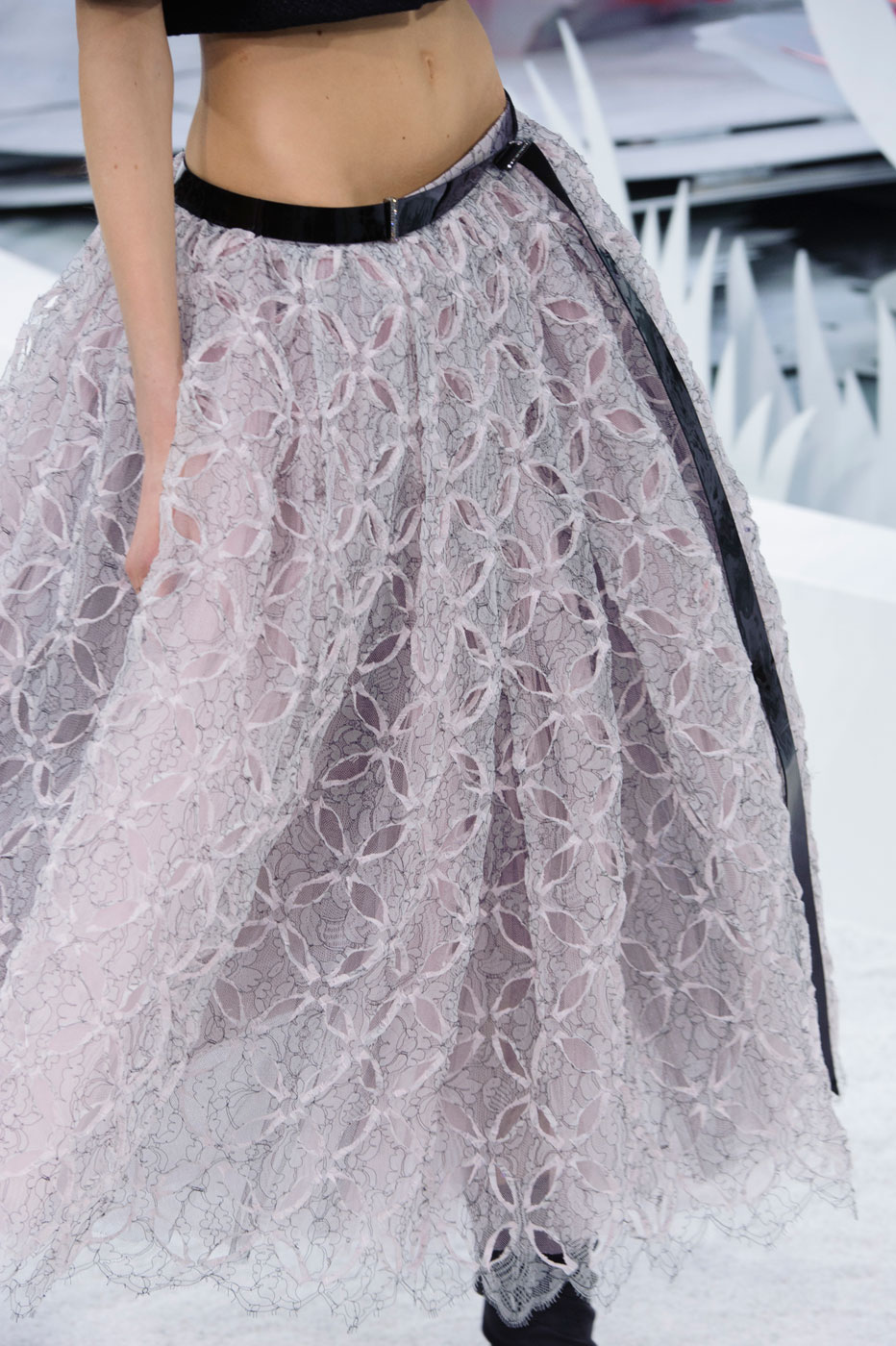 Chanel-fashion-runway-show-close-ups-haute-couture-paris-spring-summer-2015-the-impression-038