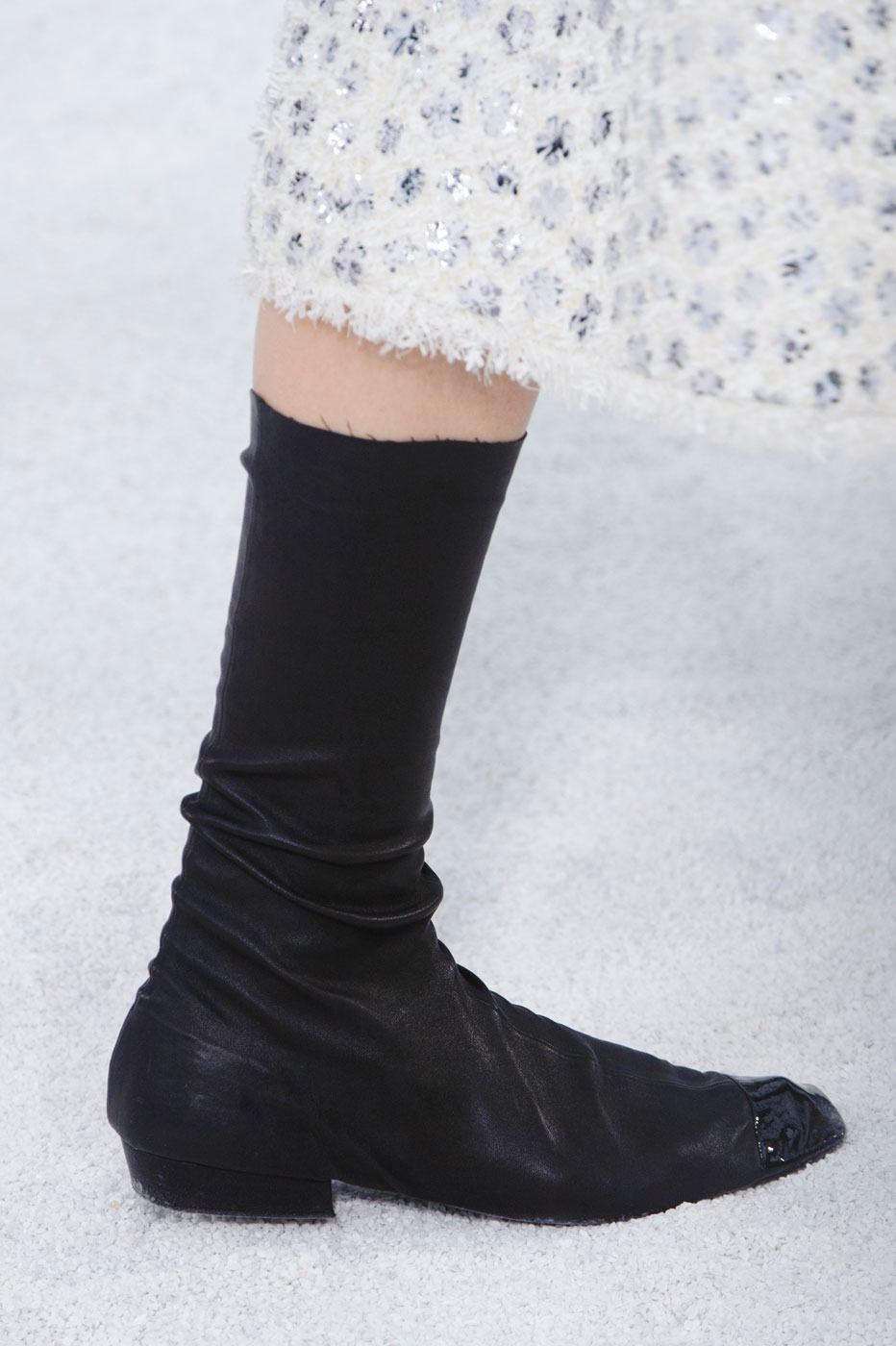 Chanel-fashion-runway-show-close-ups-haute-couture-paris-spring-summer-2015-the-impression-043