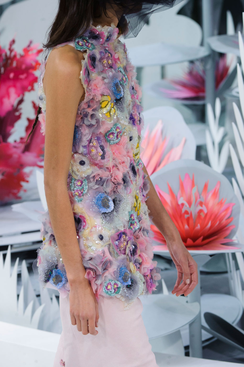 Chanel-fashion-runway-show-close-ups-haute-couture-paris-spring-summer-2015-the-impression-122
