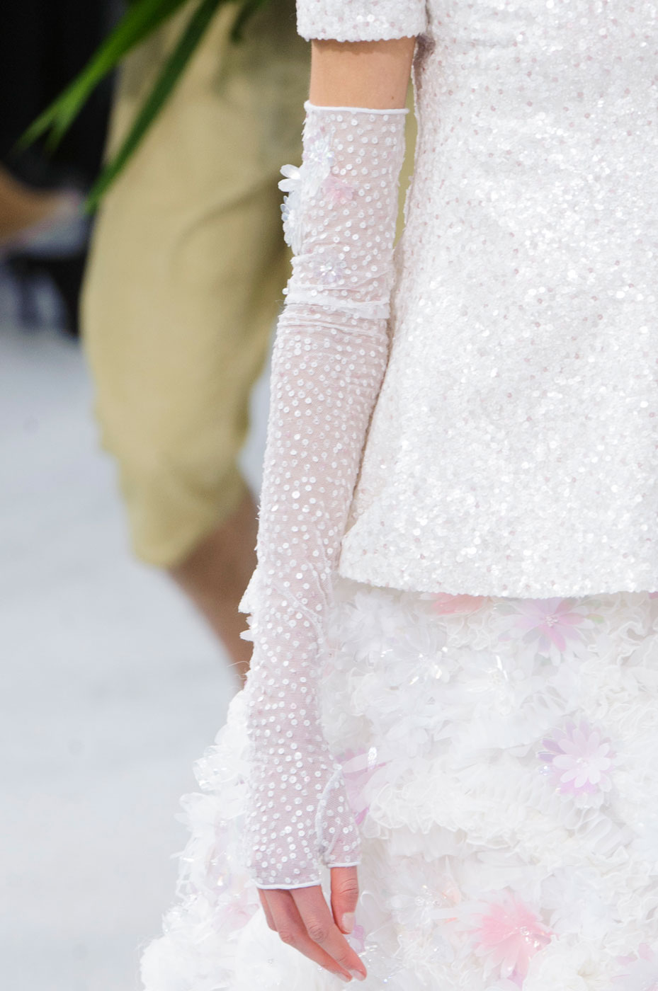Chanel-fashion-runway-show-close-ups-haute-couture-paris-spring-summer-2015-the-impression-146