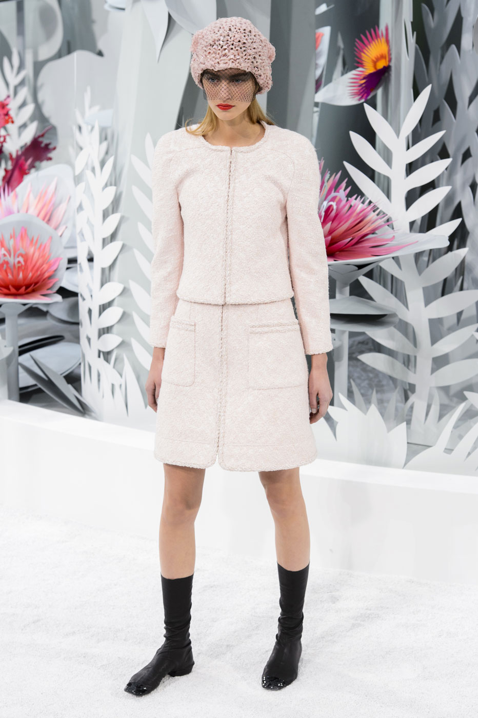 Chanel-fashion-runway-show-haute-couture-paris-spring-summer-2015-the-impression-024