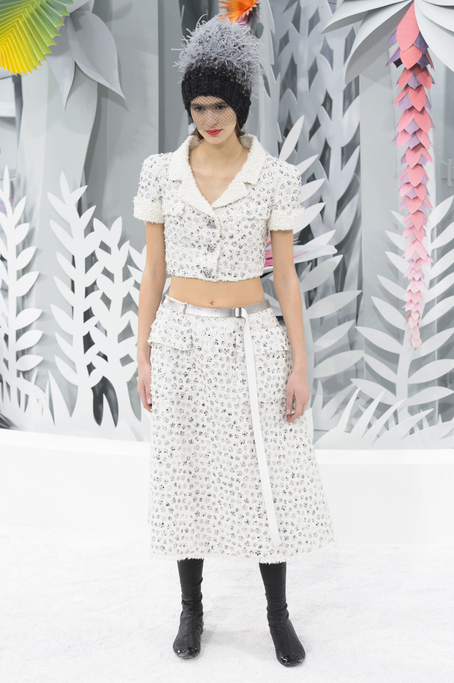 Chanel-fashion-runway-show-haute-couture-paris-spring-summer-2015-the-impression-052