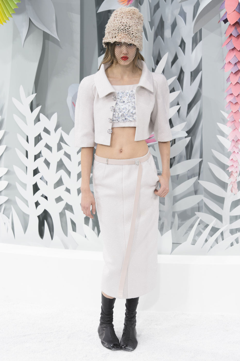 Chanel-fashion-runway-show-haute-couture-paris-spring-summer-2015-the-impression-054