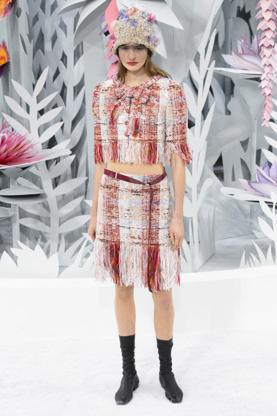 Chanel-fashion-runway-show-haute-couture-paris-spring-summer-2015-the-impression-064