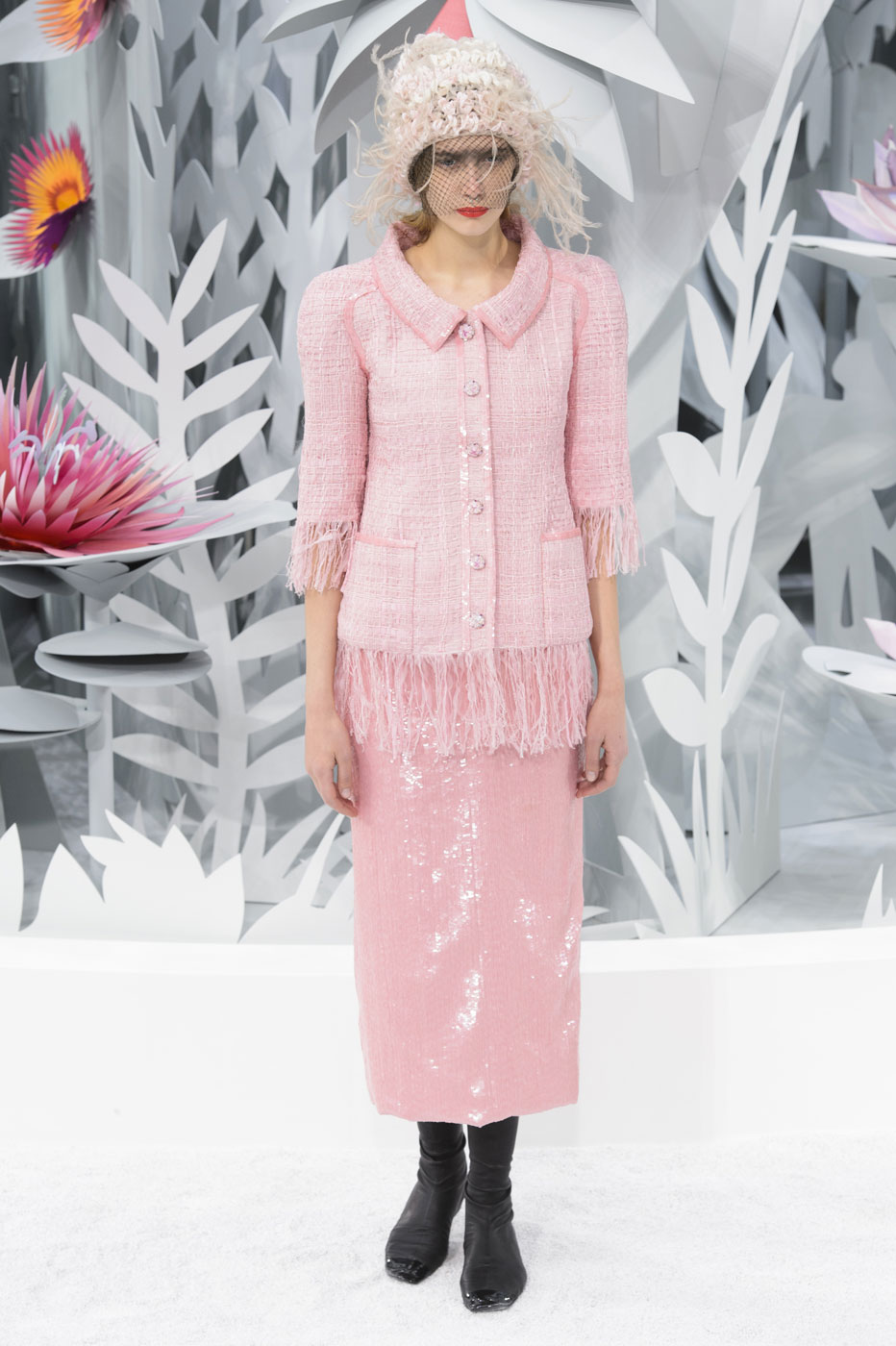 Chanel-fashion-runway-show-haute-couture-paris-spring-summer-2015-the-impression-071