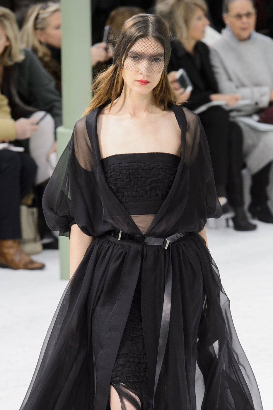 Chanel-fashion-runway-show-haute-couture-paris-spring-summer-2015-the-impression-077
