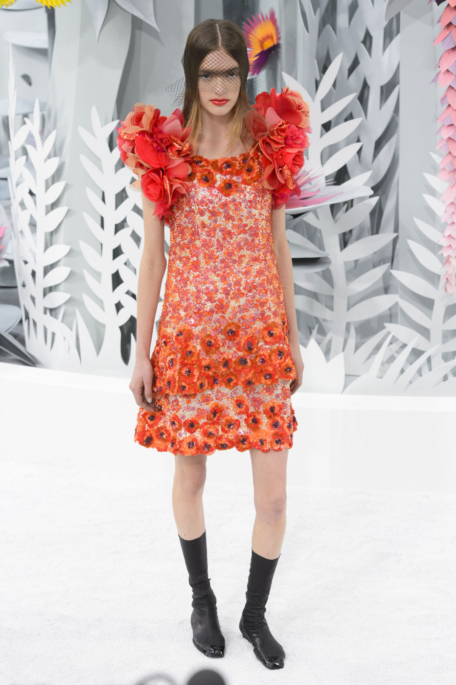 Chanel-fashion-runway-show-haute-couture-paris-spring-summer-2015-the-impression-090