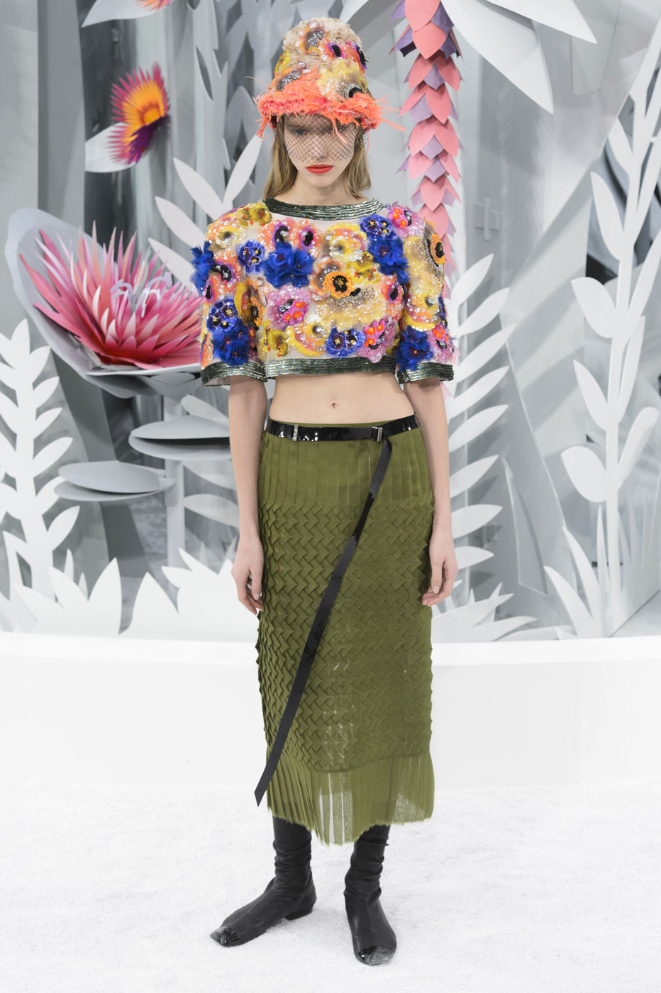 Chanel-fashion-runway-show-haute-couture-paris-spring-summer-2015-the-impression-101