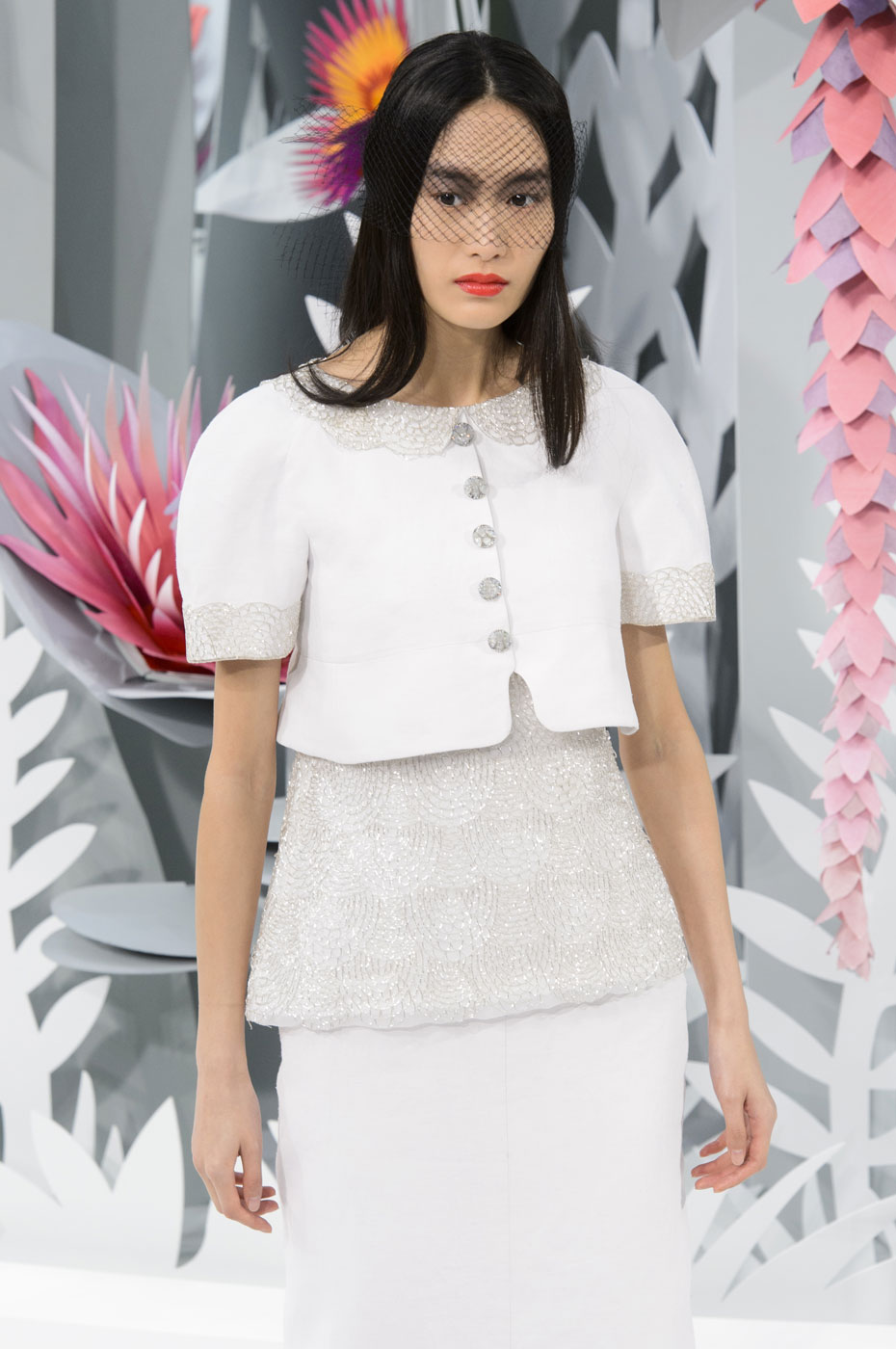 Chanel-fashion-runway-show-haute-couture-paris-spring-summer-2015-the-impression-120