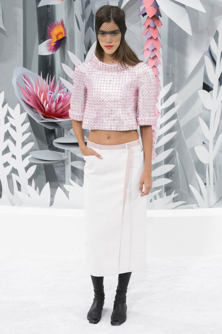 Chanel-fashion-runway-show-haute-couture-paris-spring-summer-2015-the-impression-125