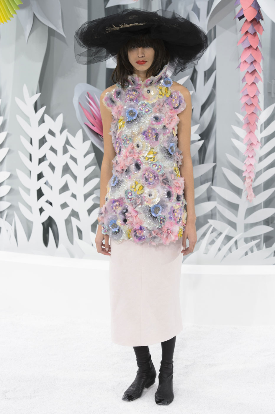 Chanel-fashion-runway-show-haute-couture-paris-spring-summer-2015-the-impression-127