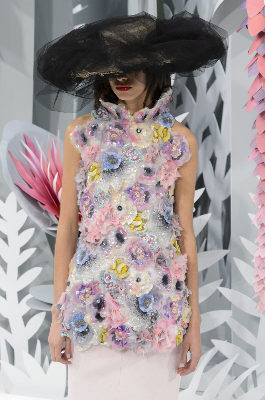 Chanel-fashion-runway-show-haute-couture-paris-spring-summer-2015-the-impression-128