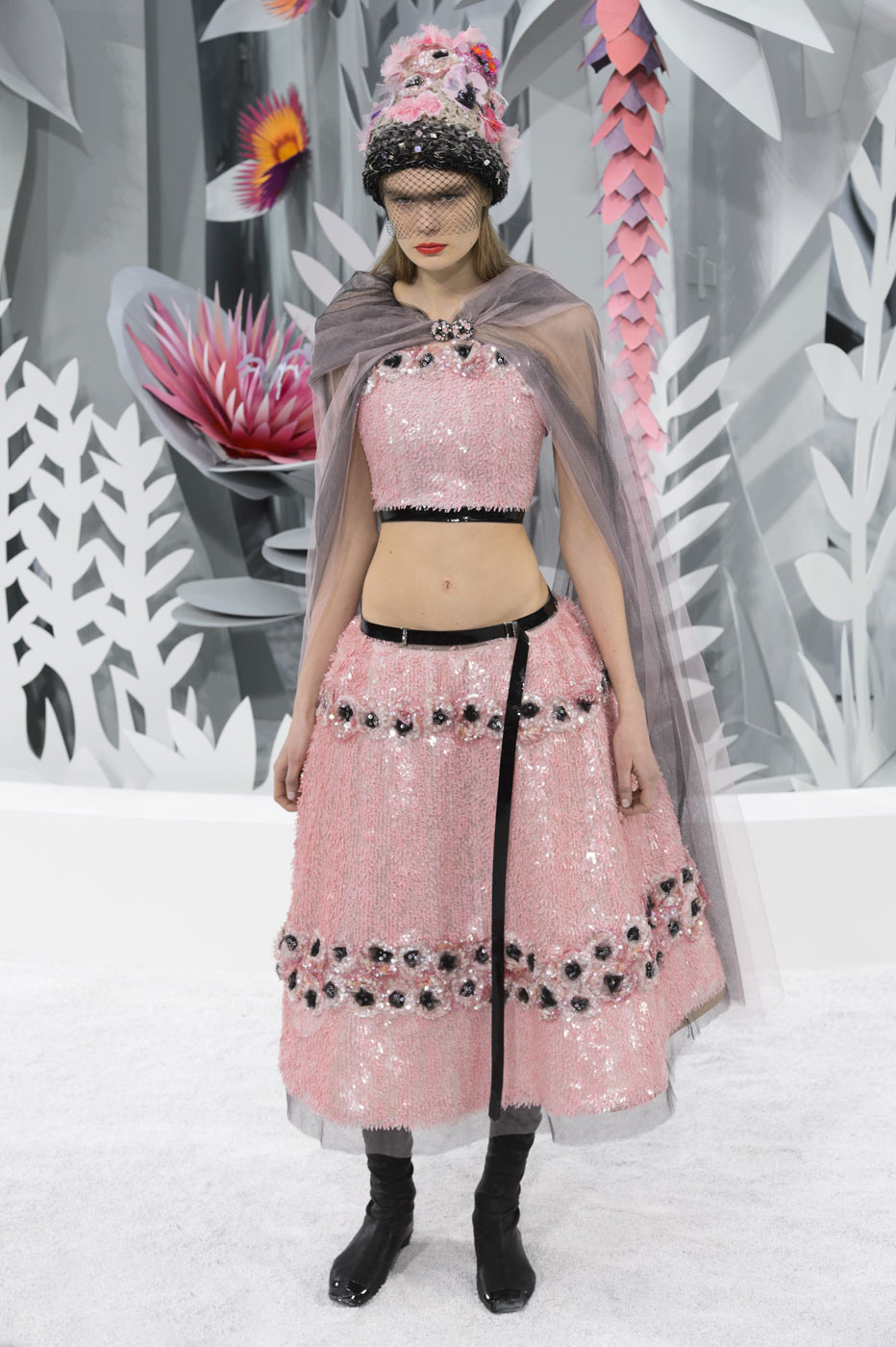 Chanel-fashion-runway-show-haute-couture-paris-spring-summer-2015-the-impression-147