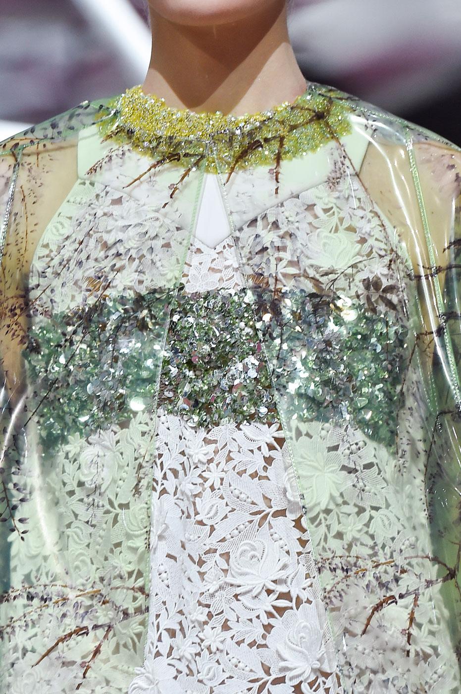 Christian-Dior-fashion-runway-show-close-ups-haute-couture-paris-spring-summer-2015-the-impression-001