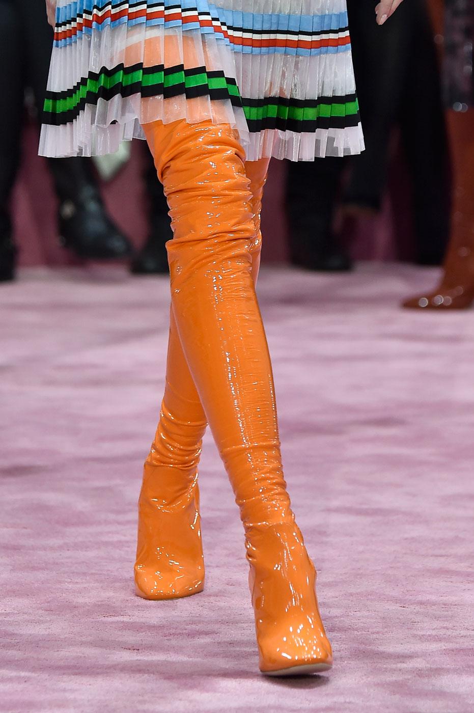 Christian-Dior-fashion-runway-show-close-ups-haute-couture-paris-spring-summer-2015-the-impression-009