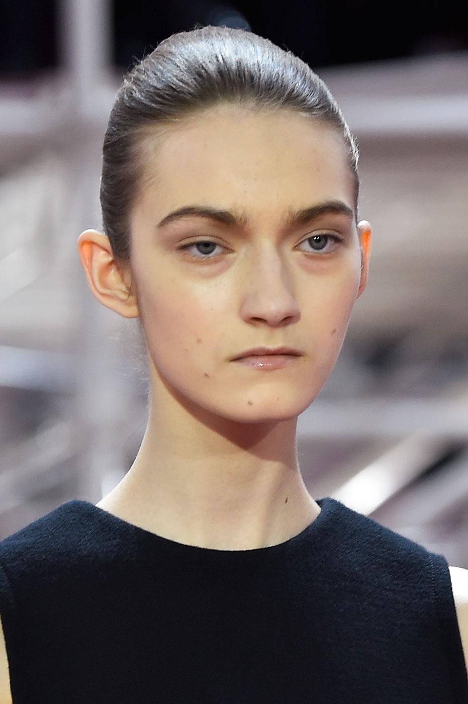 Christian-Dior-fashion-runway-show-close-ups-haute-couture-paris-spring-summer-2015-the-impression-010