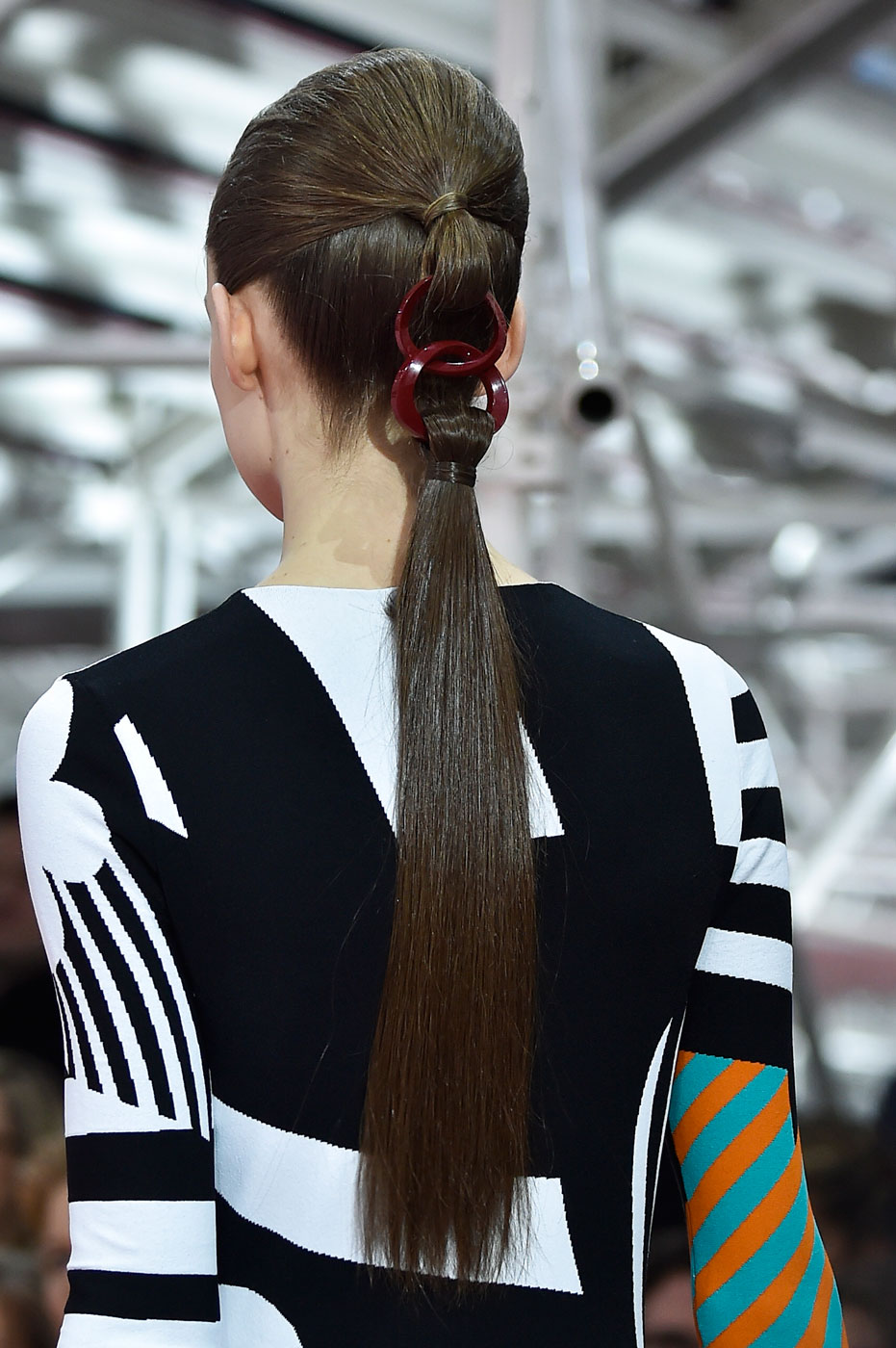 Christian-Dior-fashion-runway-show-close-ups-haute-couture-paris-spring-summer-2015-the-impression-017