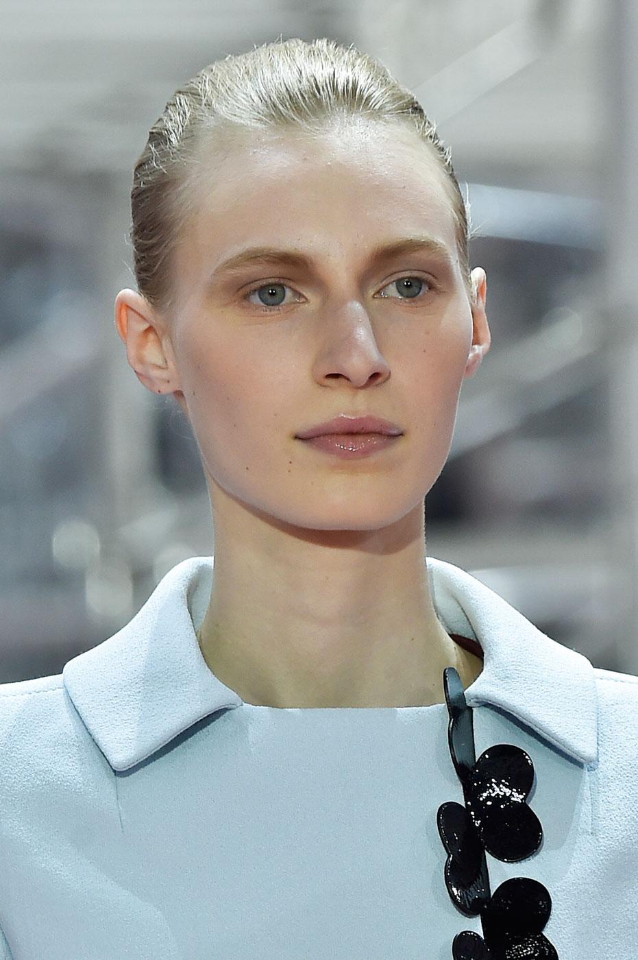 Christian-Dior-fashion-runway-show-close-ups-haute-couture-paris-spring-summer-2015-the-impression-022