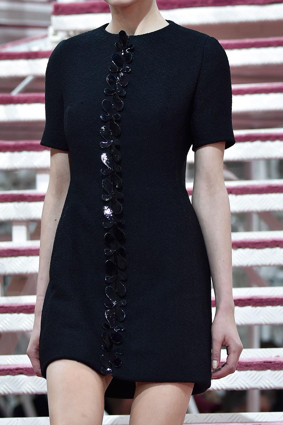 Christian-Dior-fashion-runway-show-close-ups-haute-couture-paris-spring-summer-2015-the-impression-028