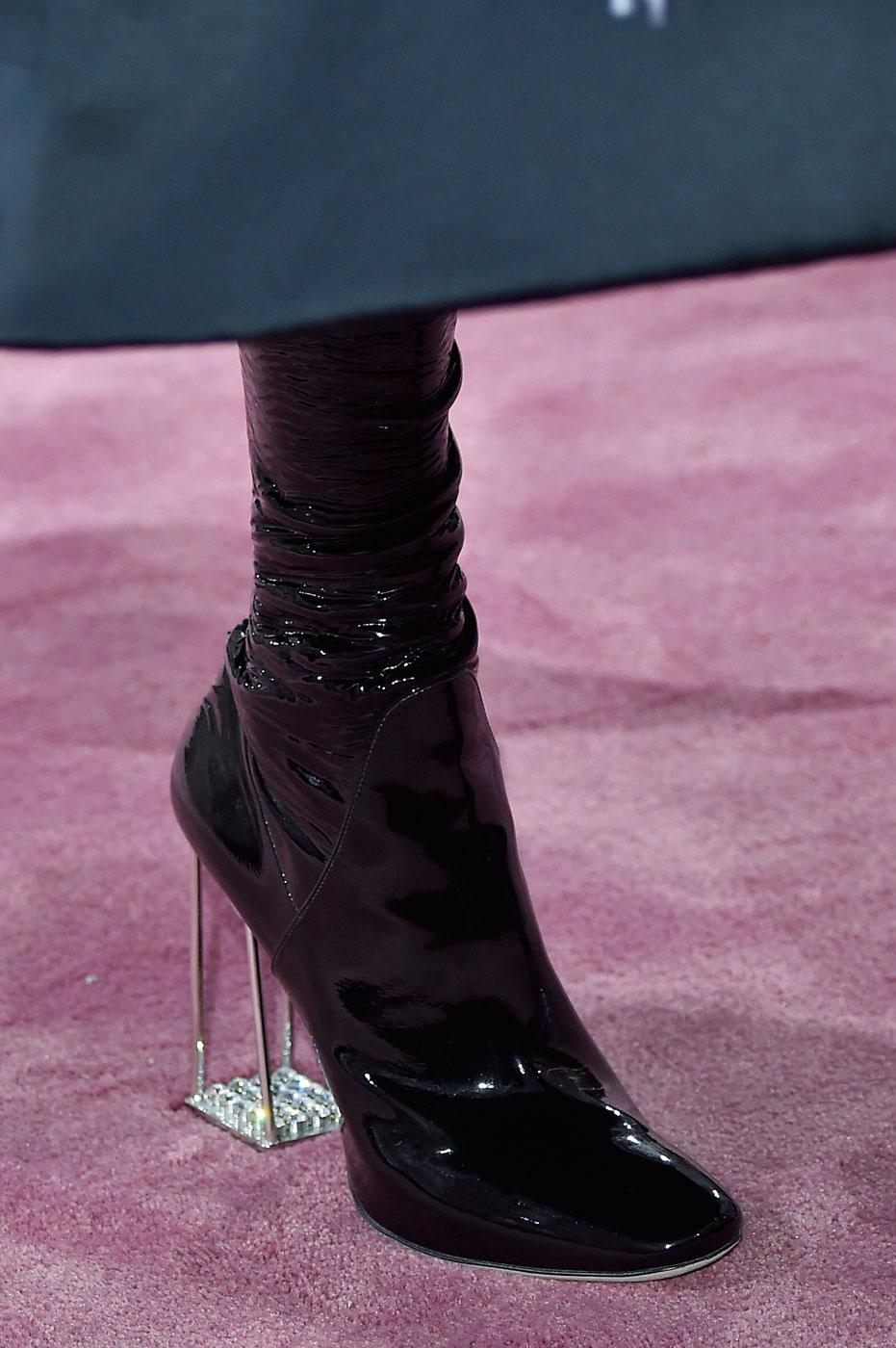 Christian-Dior-fashion-runway-show-close-ups-haute-couture-paris-spring-summer-2015-the-impression-030