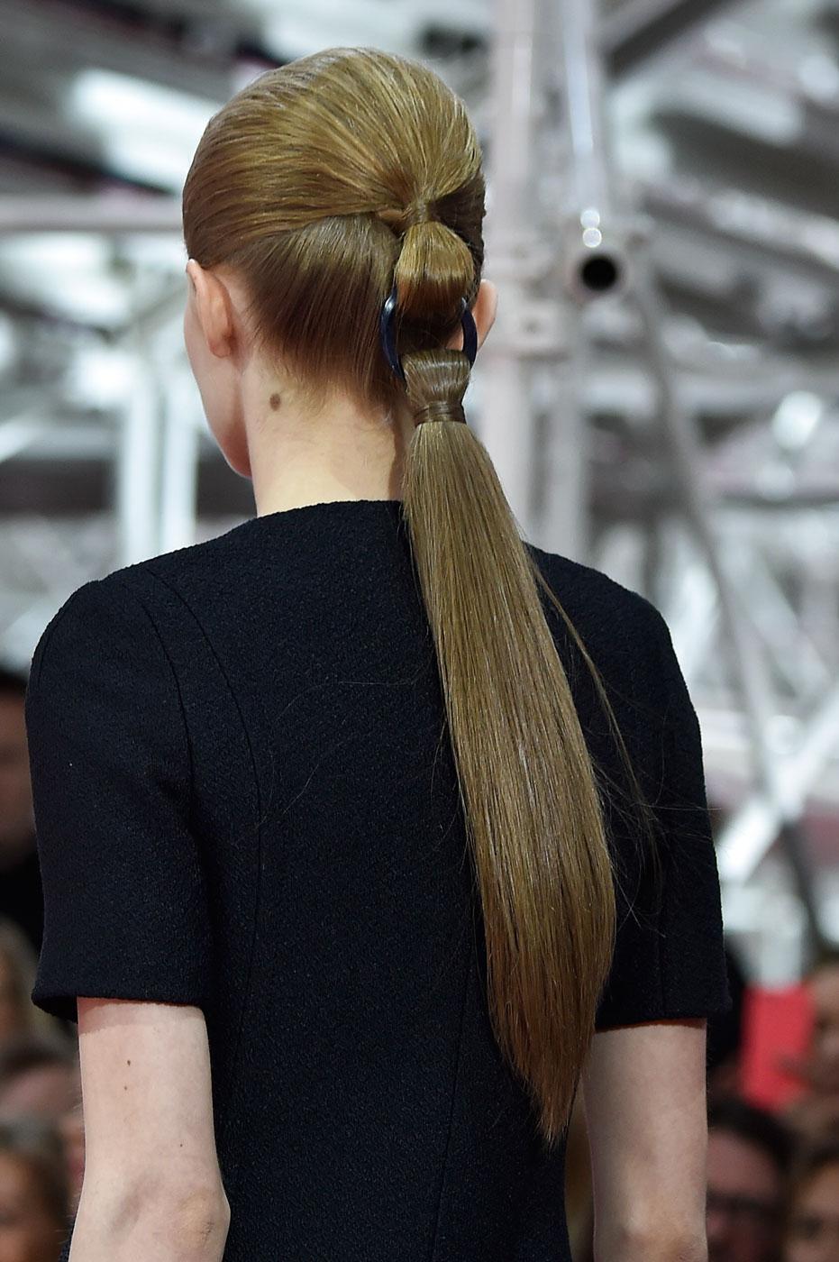 Christian-Dior-fashion-runway-show-close-ups-haute-couture-paris-spring-summer-2015-the-impression-034