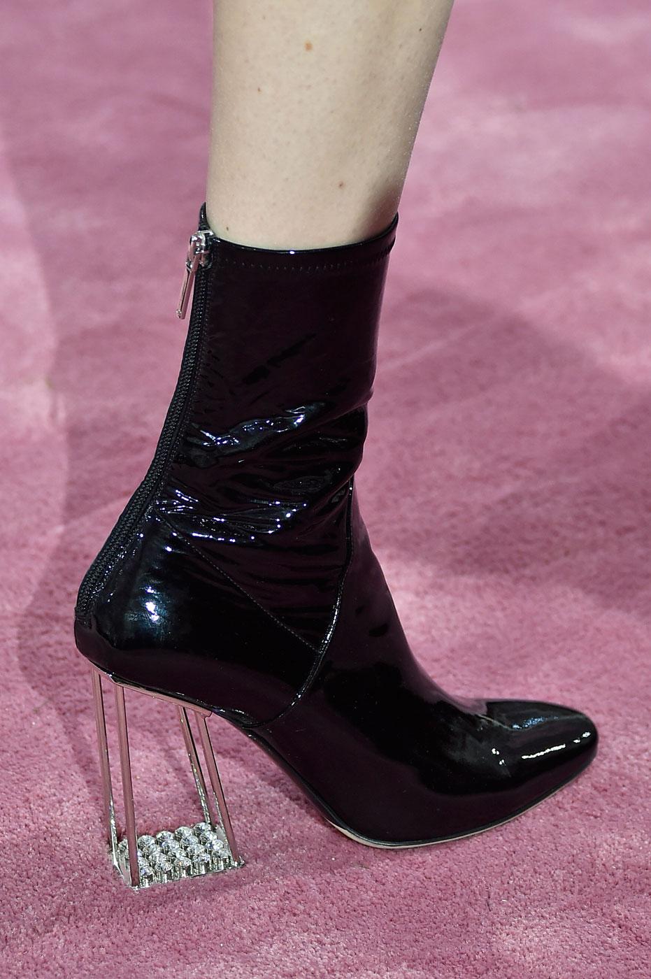 Christian-Dior-fashion-runway-show-close-ups-haute-couture-paris-spring-summer-2015-the-impression-038