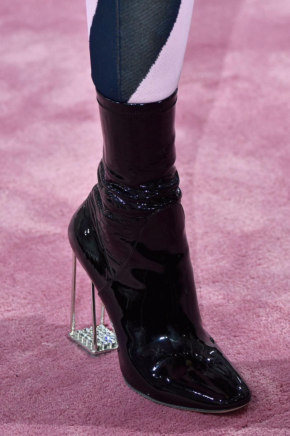 Christian-Dior-fashion-runway-show-close-ups-haute-couture-paris-spring-summer-2015-the-impression-048