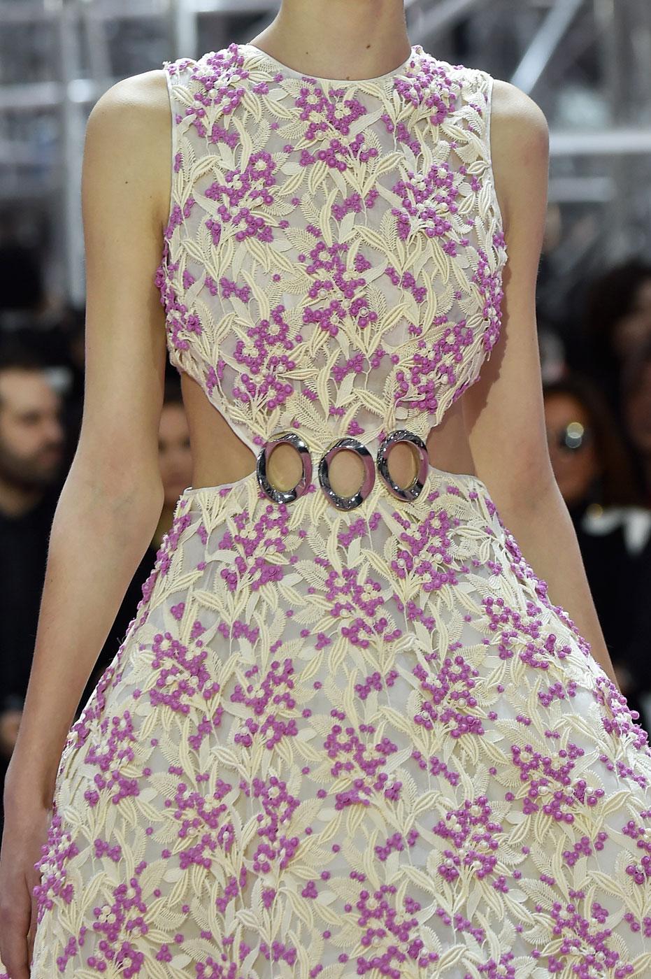 Christian-Dior-fashion-runway-show-close-ups-haute-couture-paris-spring-summer-2015-the-impression-057