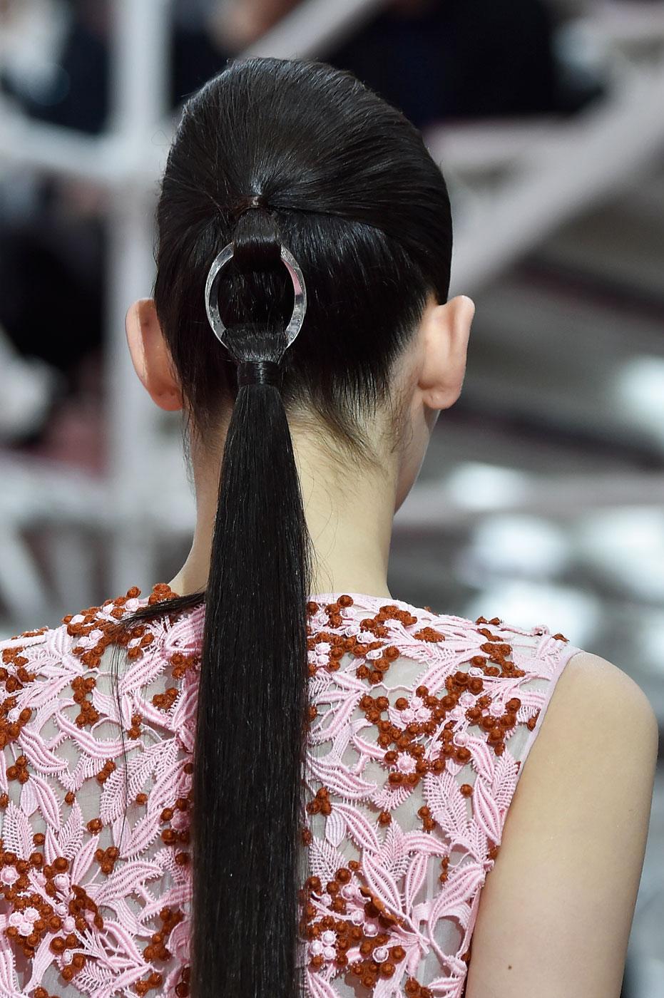 Christian-Dior-fashion-runway-show-close-ups-haute-couture-paris-spring-summer-2015-the-impression-062