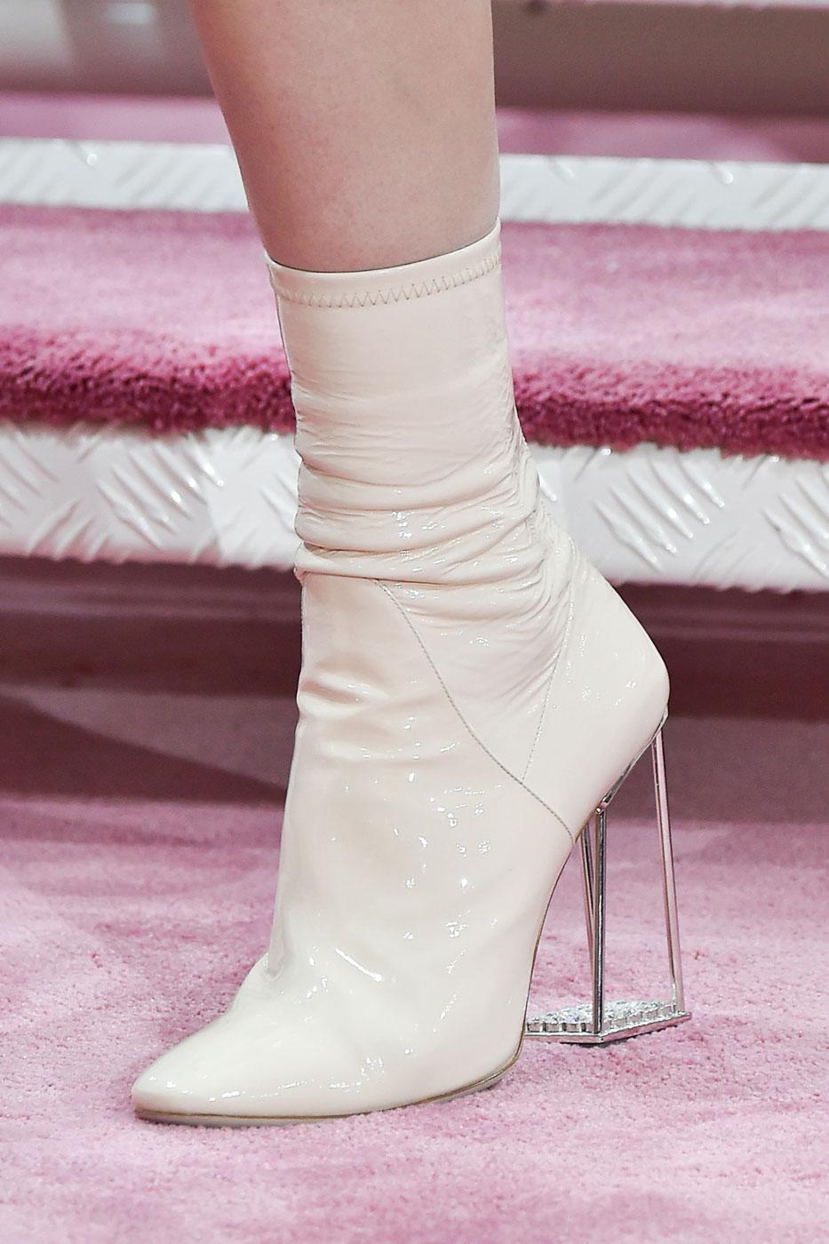 Christian-Dior-fashion-runway-show-close-ups-haute-couture-paris-spring-summer-2015-the-impression-074