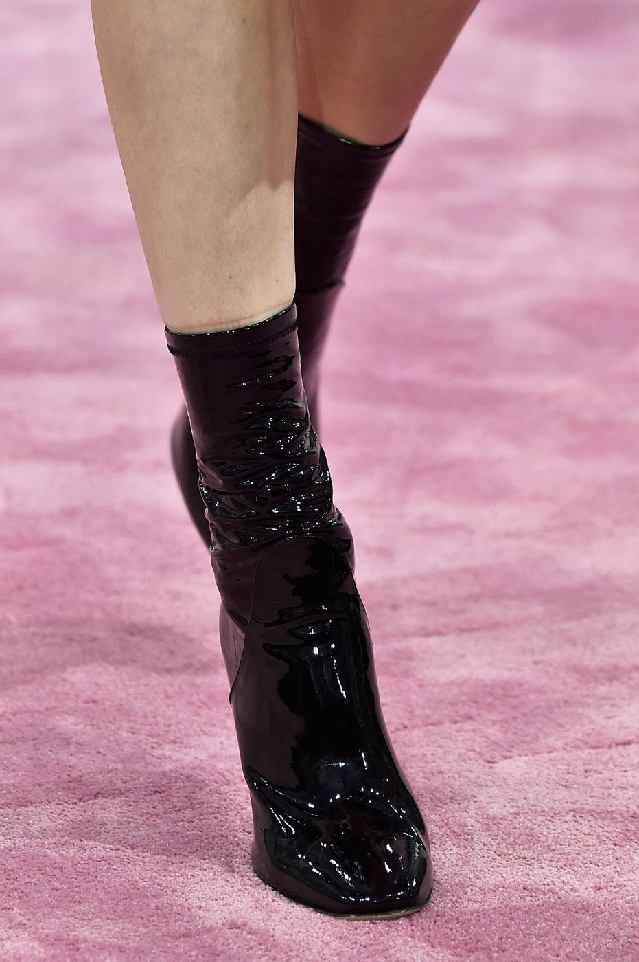 Christian-Dior-fashion-runway-show-close-ups-haute-couture-paris-spring-summer-2015-the-impression-100