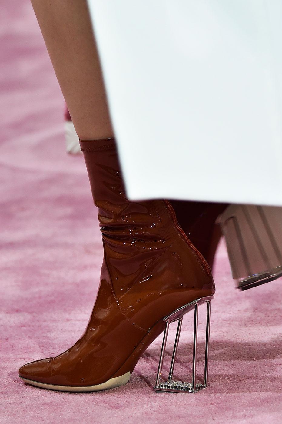 Christian-Dior-fashion-runway-show-close-ups-haute-couture-paris-spring-summer-2015-the-impression-117