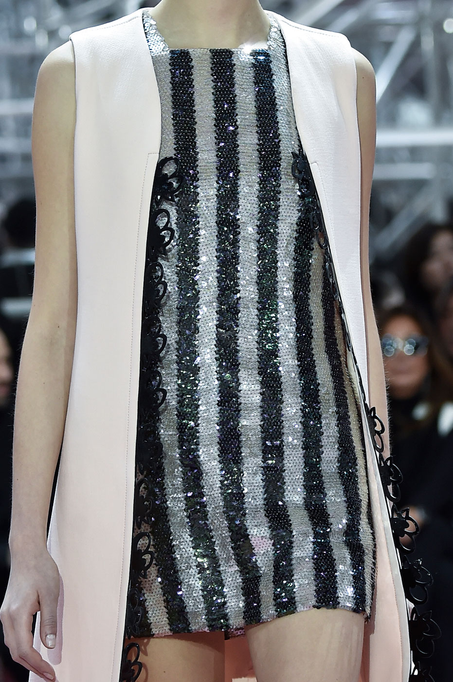Christian-Dior-fashion-runway-show-close-ups-haute-couture-paris-spring-summer-2015-the-impression-119