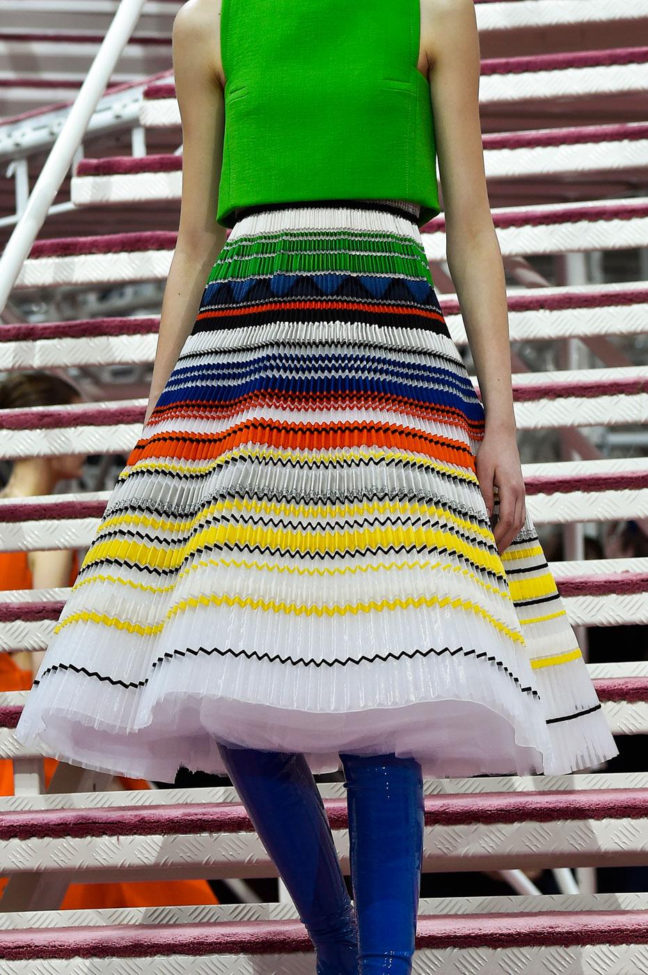 Christian-Dior-fashion-runway-show-close-ups-haute-couture-paris-spring-summer-2015-the-impression-123