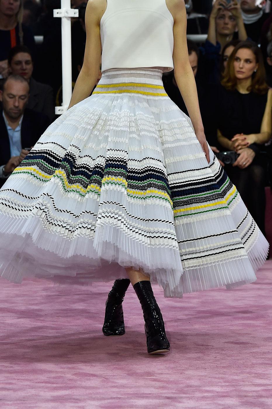 Christian-Dior-fashion-runway-show-close-ups-haute-couture-paris-spring-summer-2015-the-impression-147