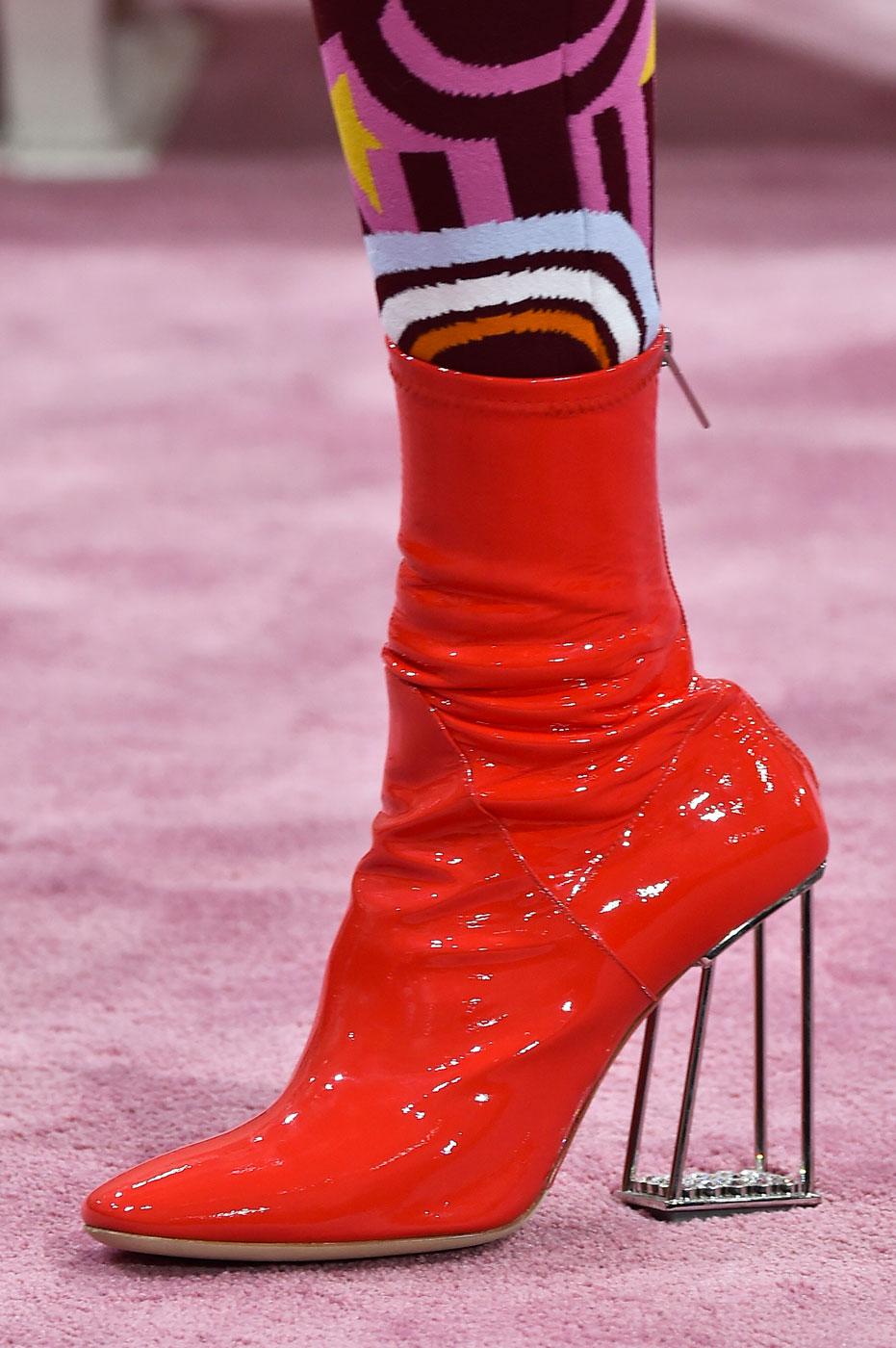 Christian-Dior-fashion-runway-show-close-ups-haute-couture-paris-spring-summer-2015-the-impression-156